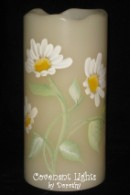 """Praise the Lord (Daisies) - 6"""" Flameless LED Candle"""